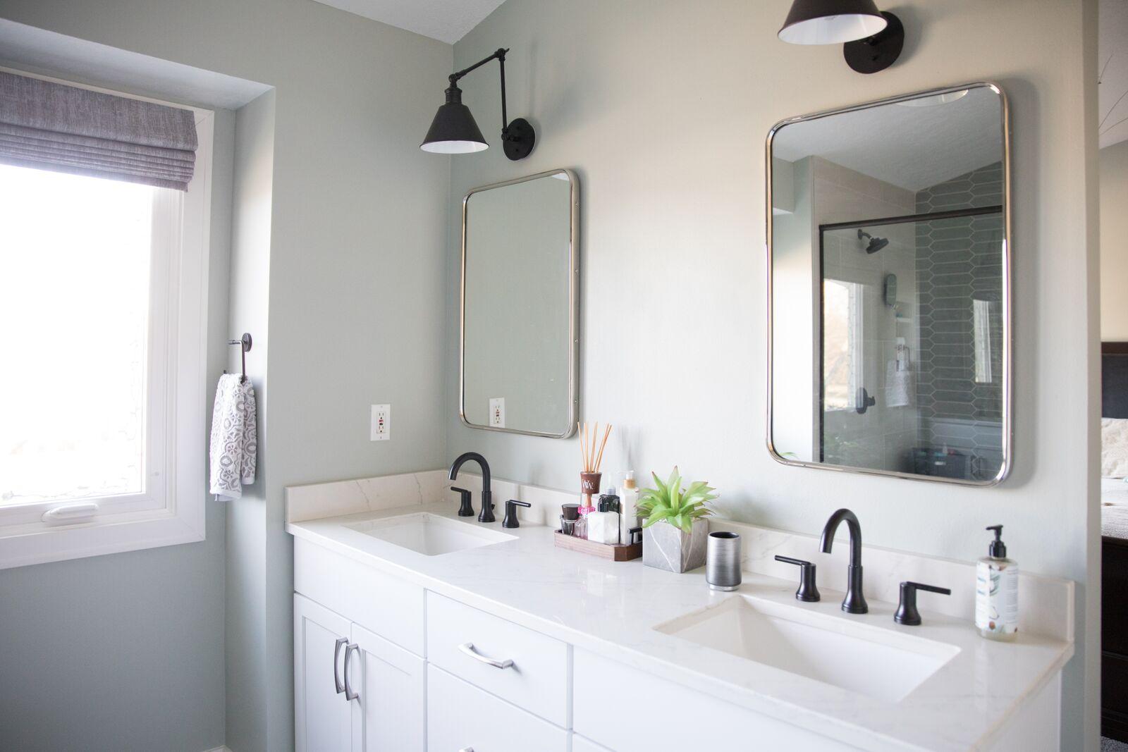 Contemporary Bathroom in Des Moines IA 2