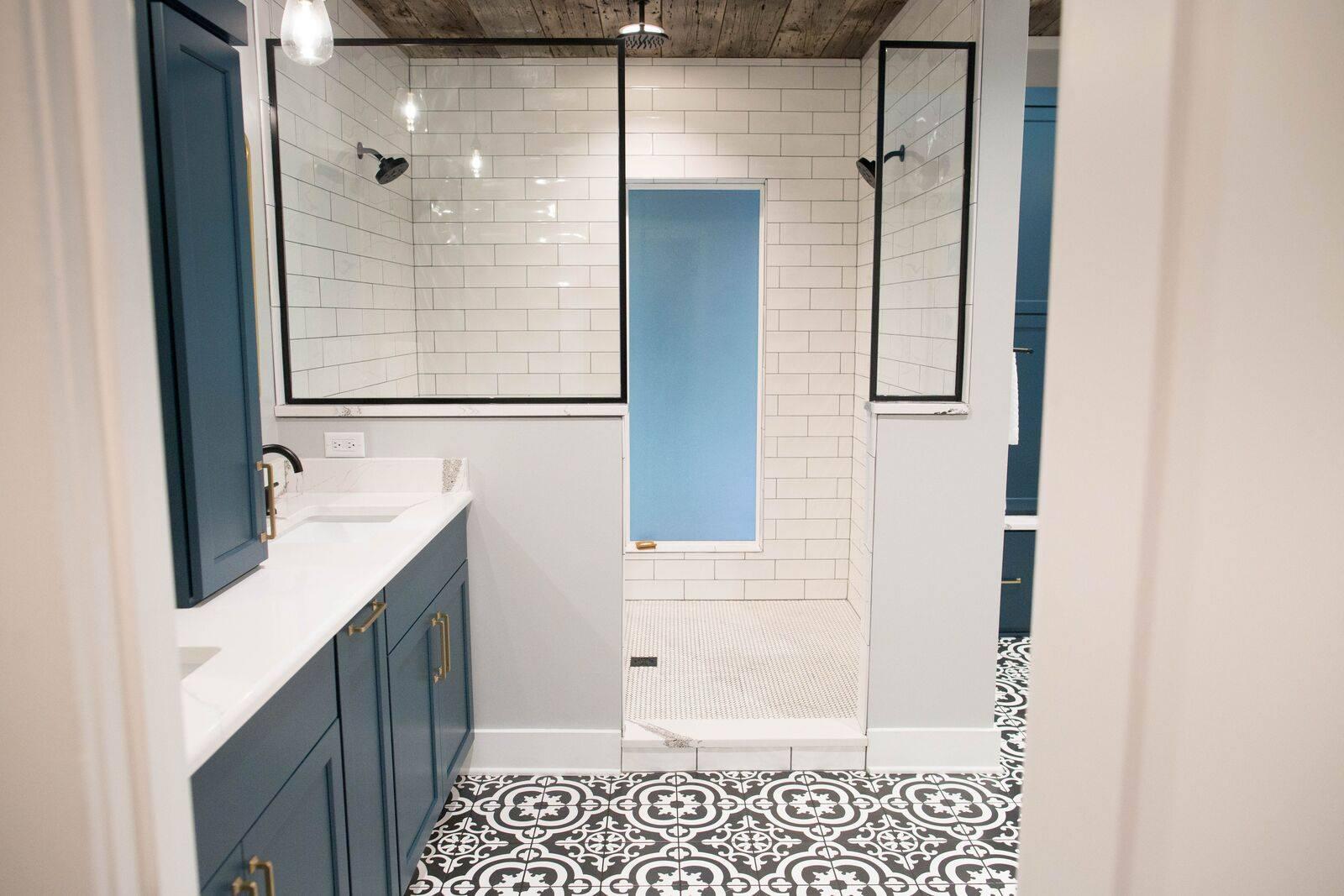 Contemporary Farmhouse Master Bathroom in Des Moines IA