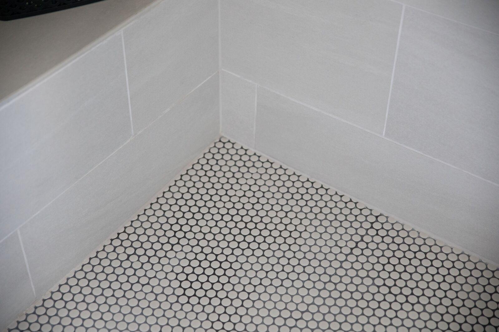 Contemporary Bathroom in Des Moines IA 7
