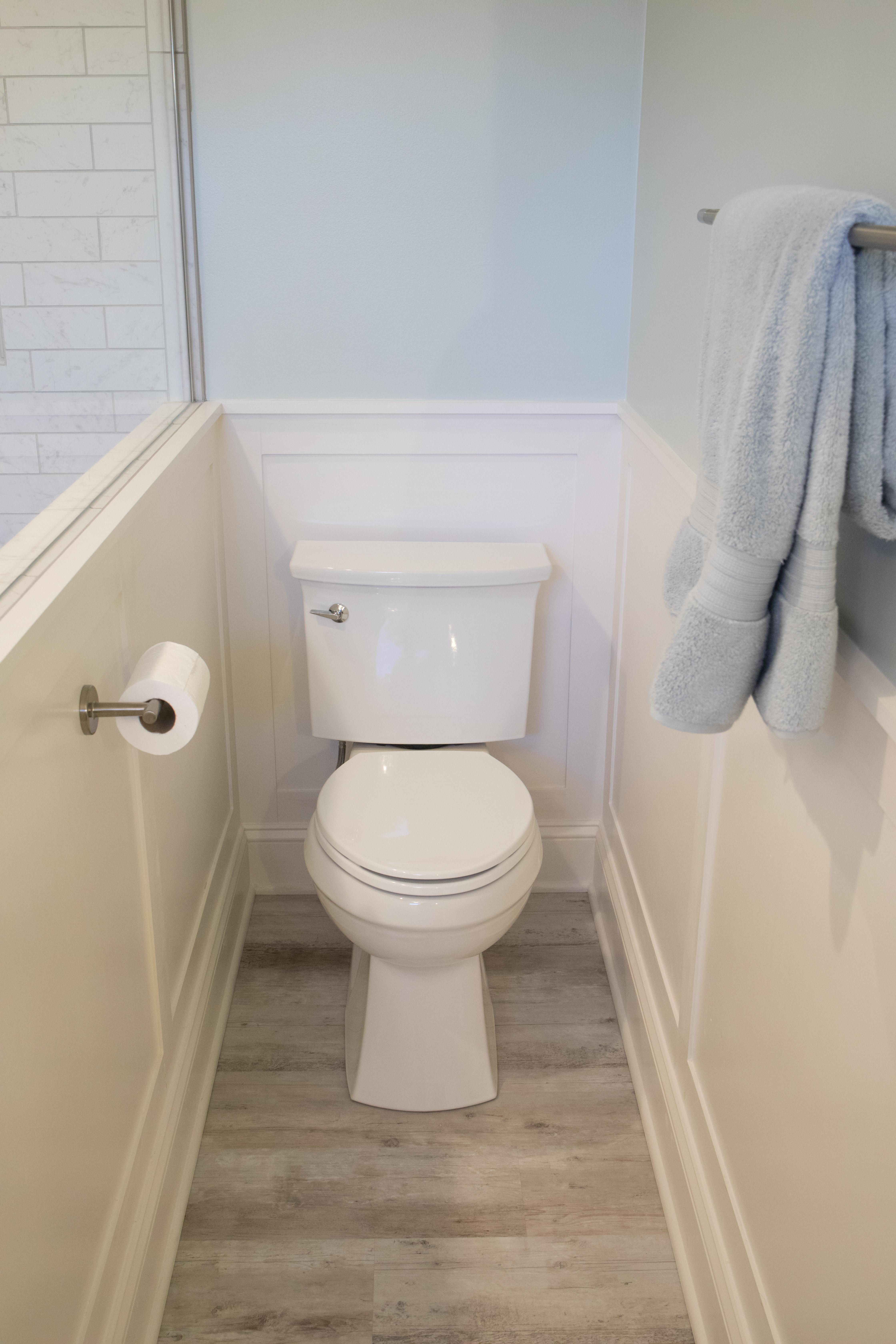 Contemporary Master Bathroom in Des Moines IA